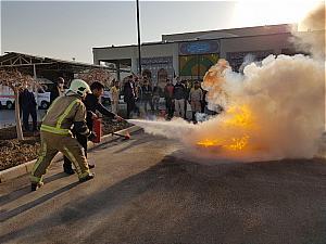 رئیس آتش نشانی پالایشگاه گاز ایلام عنوان کرد:۳۰۰ نفر از کارکنان پالایشگاه گاز ایلام آموزشهای ایمنی و آتش نشانی فرا گرفتند
